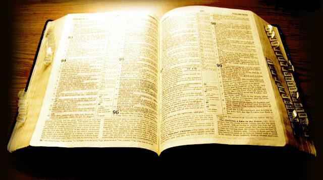 Soñar con biblia ¿Que Significa?