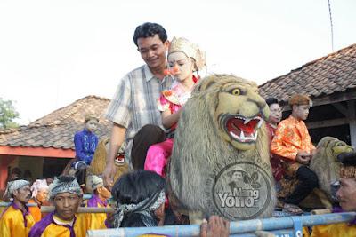 Foto ini yang dulu dijadikan cover DVD Singa Dangdut