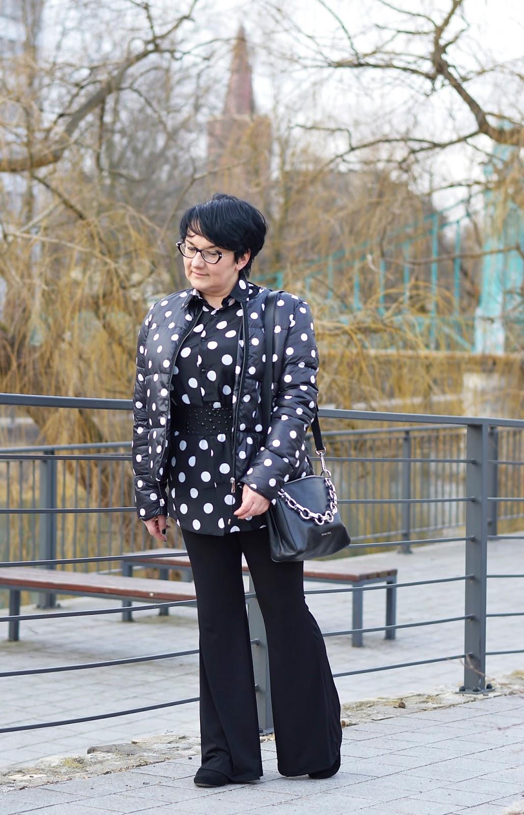Lekka kurka w grochy, black and white style, polka dots