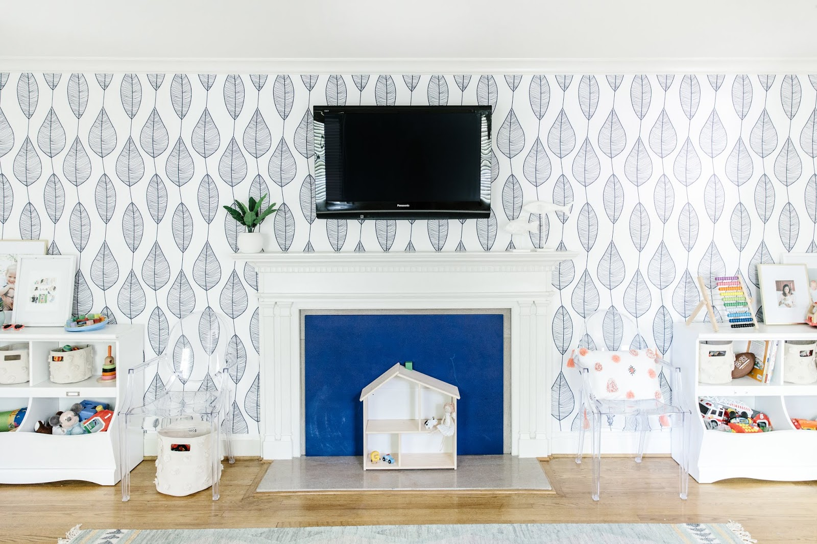 DIY Chalkboard Fireplace Cover: perfect for babyproofing!