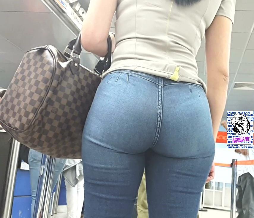 Venezolana culona en leggins con disentildeo de perioacutedico - 3 6