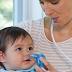 Trẻ sơ sinh có nên hút mũi, hơ than không?