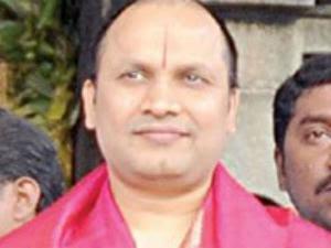 சேகர் ரெட்டி, சீனிவாசலு சிறையில் அடைப்பு