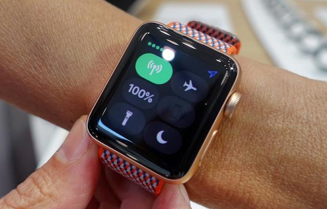 كيفية استخدام المصباح اليدوي على Apple Watch الخاص بك