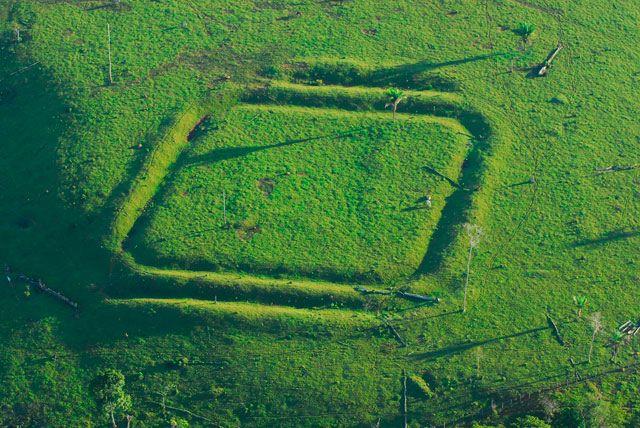 Resultado de imagem para enigma geóglifos  no acre brasil 2016