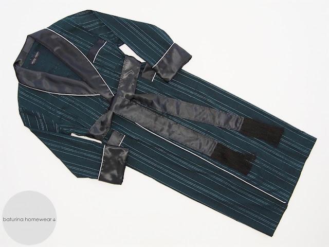 long mens dressing gown silk shawl collar green black full length lightweight soft smoking jacket robe classy housecoat victorian style