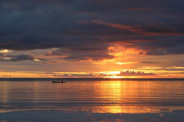Pantai dengan Pasir Terhalus di Dunia ada di Indonesia - Kepulauan Kei