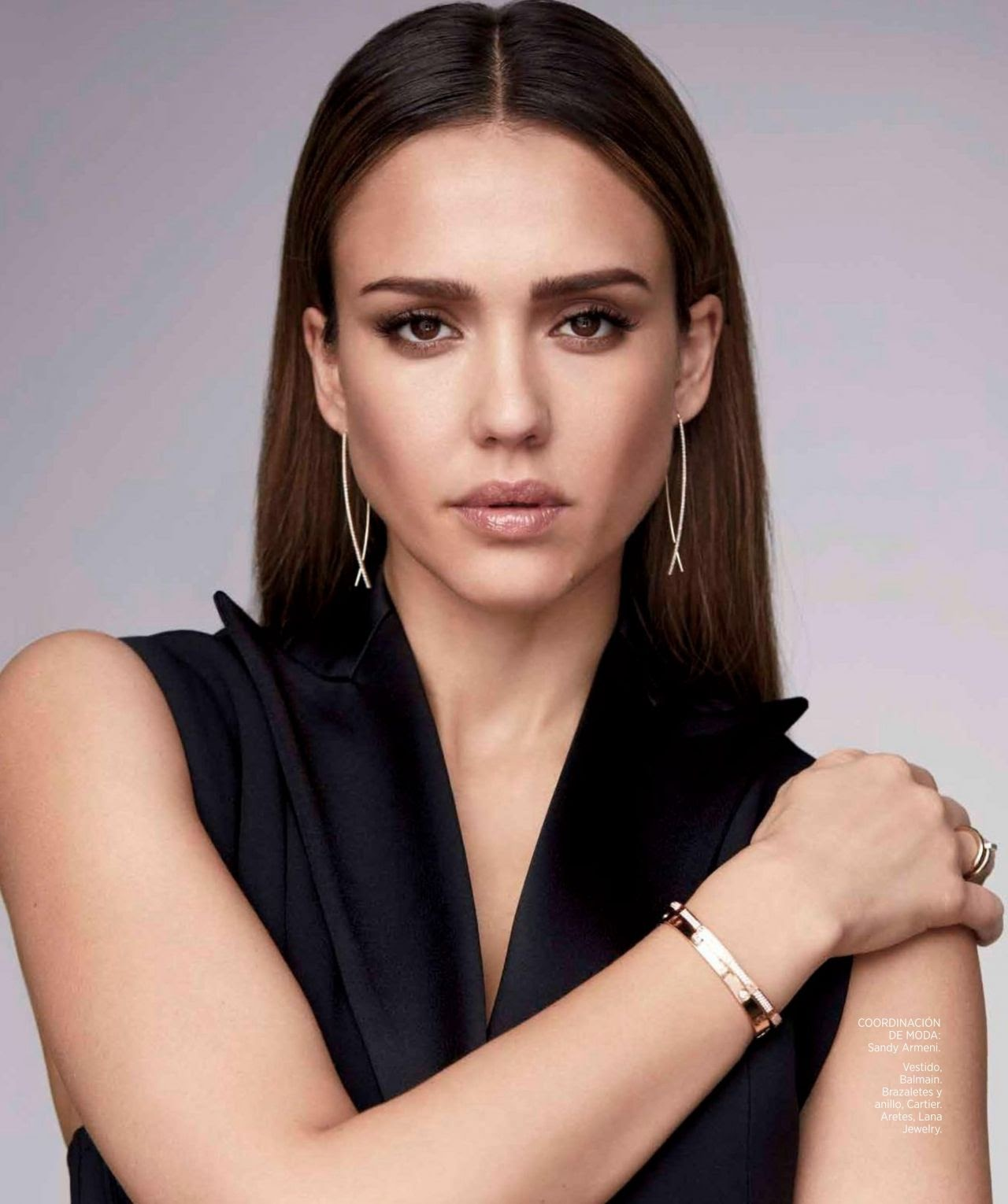 Jessica Alba appeared in the Mexican version of Harper's Bazaar