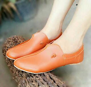 model sepatu flat yang terbaru