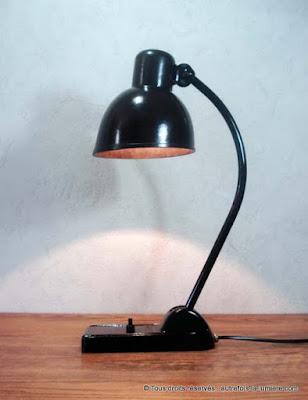 http://www.autrefois-la-lumiere.com/2015/07/lampe-de-bureau-bauhaus.html