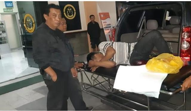 Kasat Reskrim saat mengawal pelaku begal menuju RS Bhayangkara
