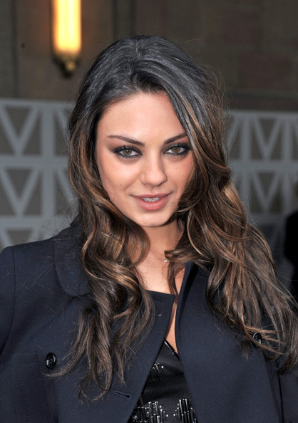 Mila Kunis Profile And Pics Wallpaper Hd And Background