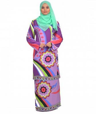 Busana muslim baju kurung batik untuk pesta