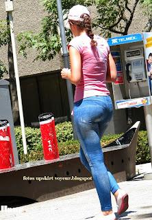 mujeres-marcando-calzon-pantalon