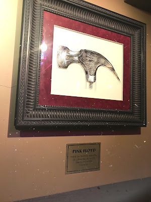 pink floyd memorabilia hard rock cafe