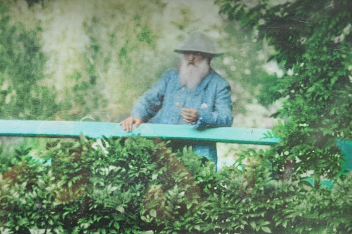 Monet en su jardín de Giverny