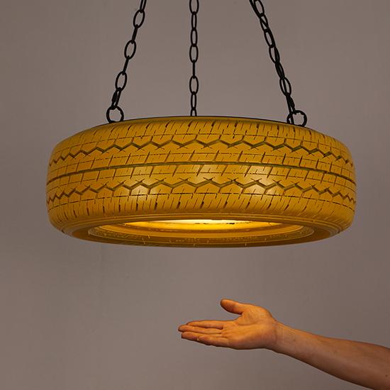 desain inspiratif lampu dari ban bekas