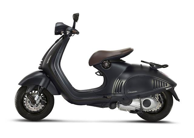 Vespa 946 Emporio Armani 150