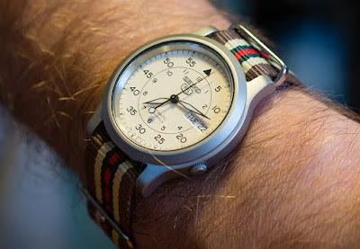 montre seiko 5 personnalisée avec un bracelet nato