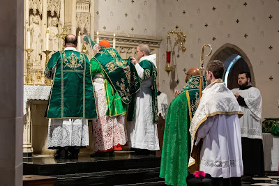 Tradition is for the Young (17) – Pontifical Mass with Card. Burke in St Louis