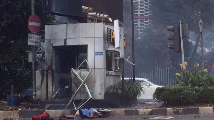 Foto-Foto Eksklusif Korban Peledakan Bom di Sarinah, Jakarta