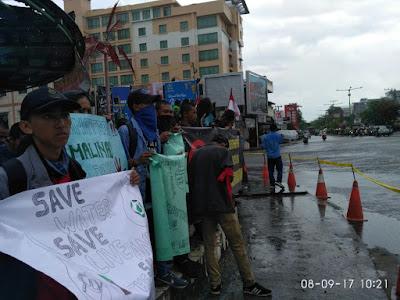 uuuuuu - Puluhan mahasiswa Tarakan Kecam Pencemaran Sungai Di kabupaten Malinau Oleh Perusahan Tambang