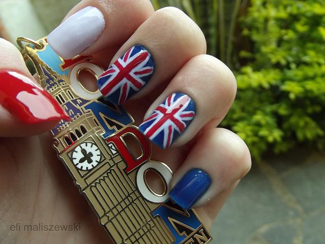 A bandeira do Reino Unido, também chamada de Union Jack, é considerada um dos ícones de moda mais badalados dos últimos anos. A estampa