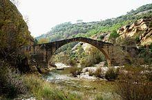 Puente de la Famiñosa sobre el río Alcanadre