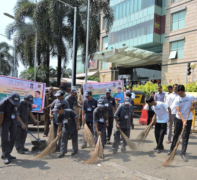 KORUM Mall supports TMC for a Clean-up drive in Thane