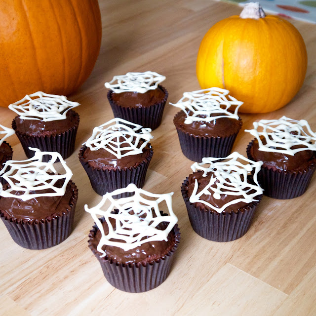 halloween red velvet cupcakes