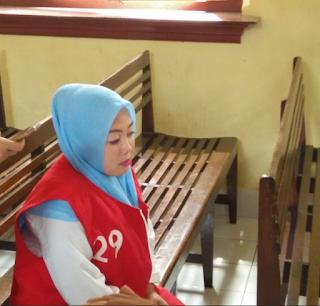 Wanita Asal Makassar Ini Terancam Masuk Bui Hanya Karena Status Facebook
