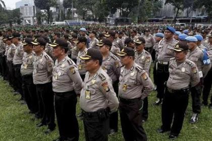 Asyari Usman: Bagaimana Kalau Dibalik Saja, Kita yang Mengayomi Polisi