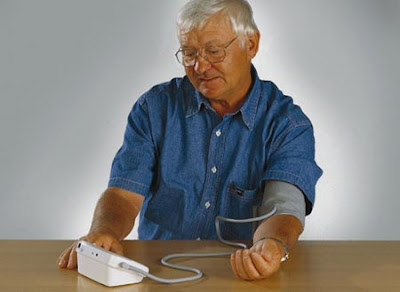 Hướng dẫn cách sử dụng máy đo huyết áp điện tử