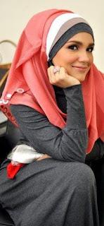Kombinasi Hijab 3 Warna