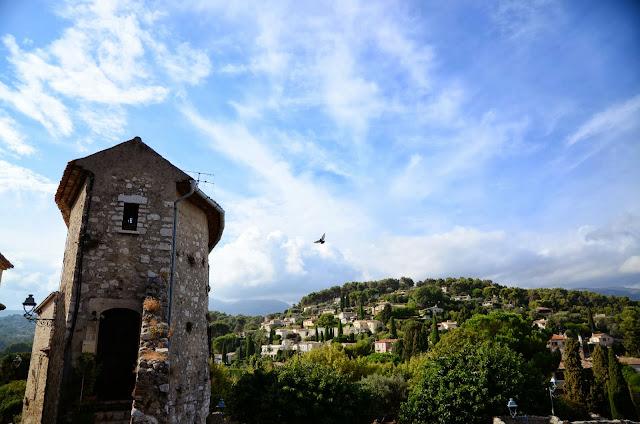 산위의 또다른 예술의 마을 생 폴드방스