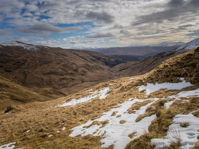 Photo looking south along Gleann Duhb Lighe from just at the snow line