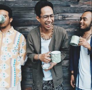 Fourtwnty Feat. Reza Matajiwa Trilogi