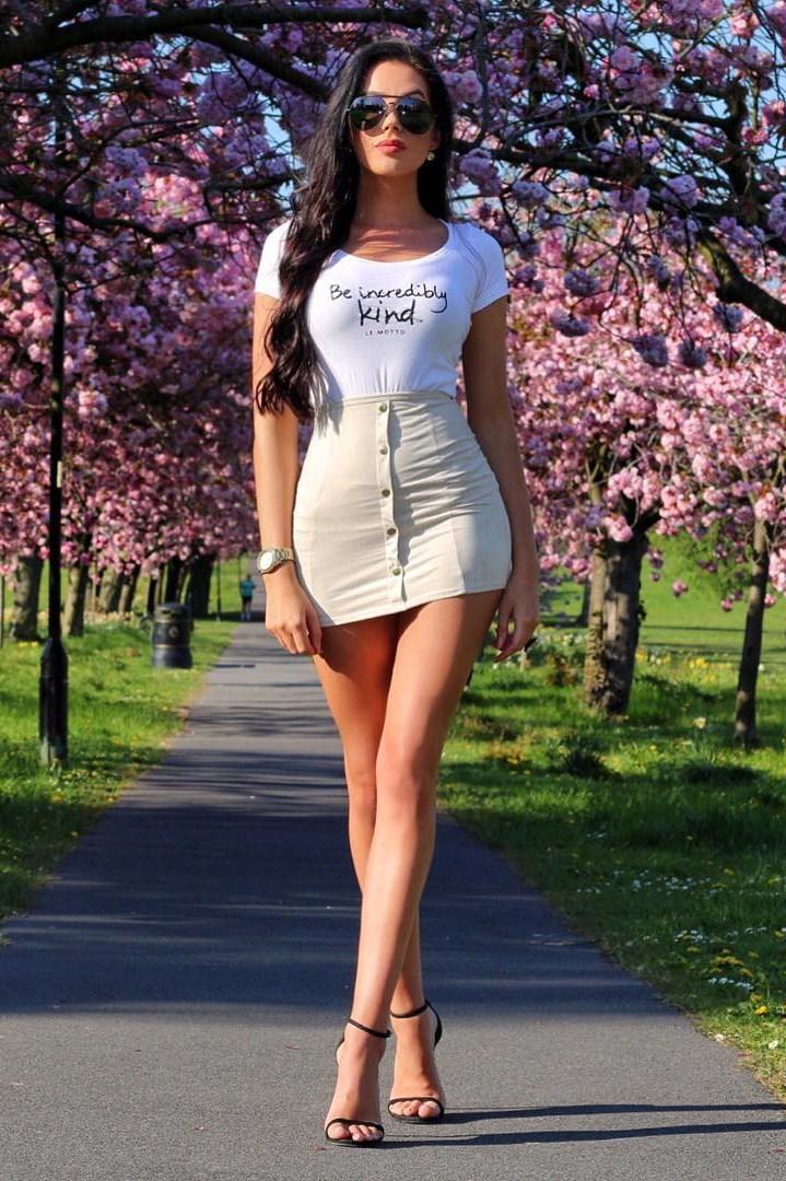 Hot girls in short skirts tumblr