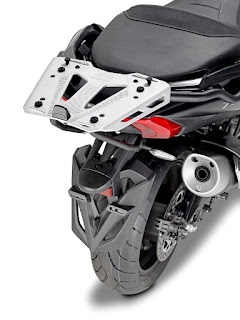 GIVI-Yamaha-T-MAX-cajon