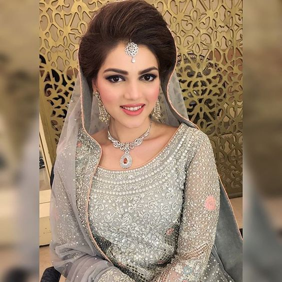 Stylish and Trendy Pakistani Bridal Wedding Hairstyles for ...