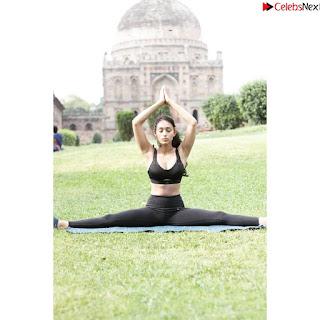 Anjali Kapoor beautiful Indian Model iin Bikin Stunning Pics ~ .xyz Exclusive 028.jpg
