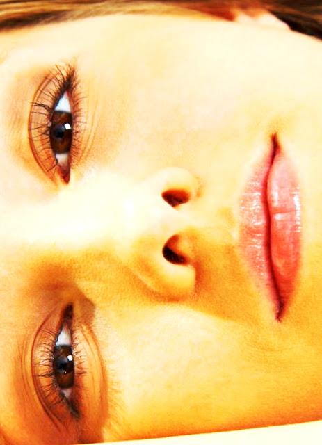 WWW.EROTICAXXX.RU - Сиськи молодых девушек на эротических фото (18+ эротика)