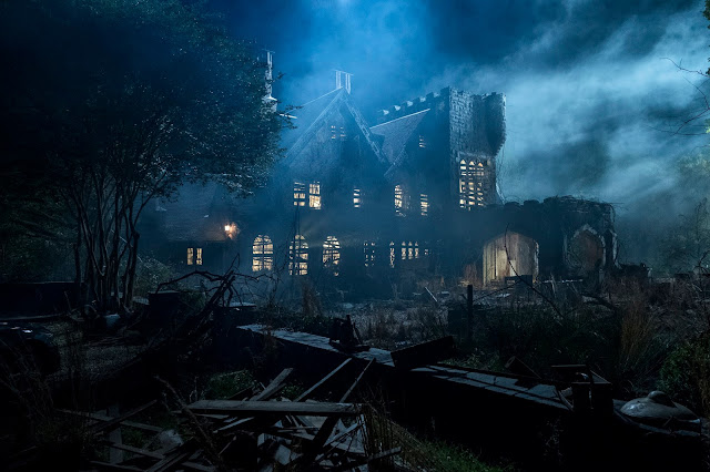 Netflix's THE HAUNTING OF HILL HOUSE is a Juggernaut Both in Terror and Drama