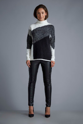 Wallis W Colour Block Knitted Jumper & Wallis Leather Effect Pull On Leggings