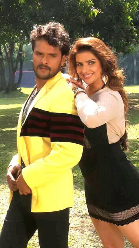 Khesari Lal Yadav and Madhu Sharma beautiful photo From Khiladi Movie Shooting