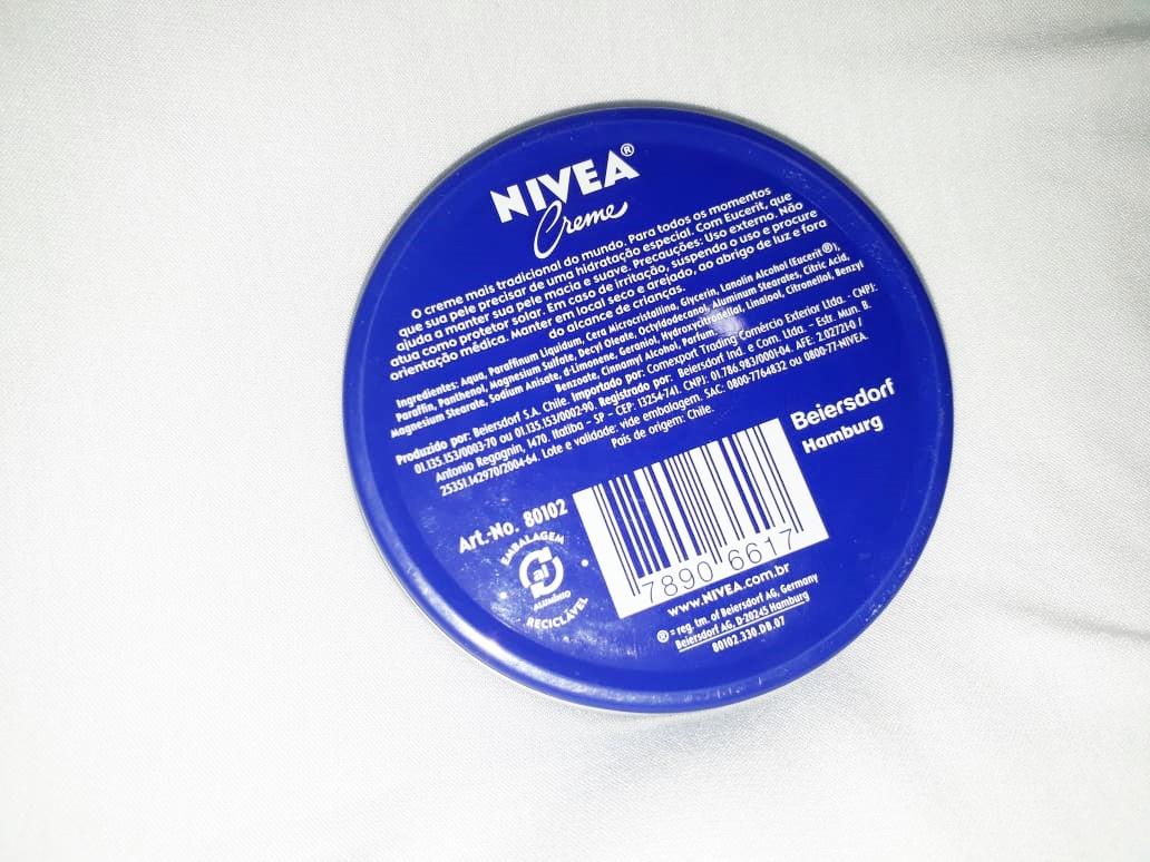 Nivea creme latinha azul e seus multibenefícios