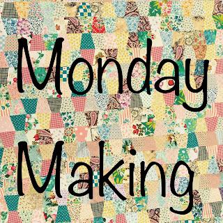Grab button Monday Making