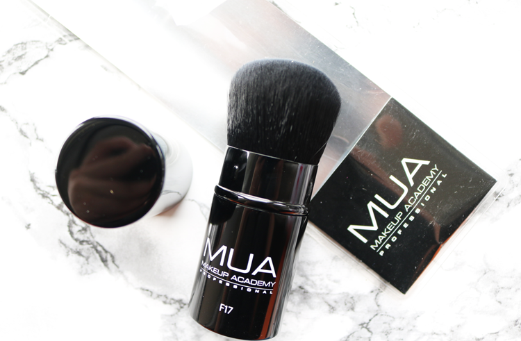 MUA F17 Retractable Kabuki Brush review