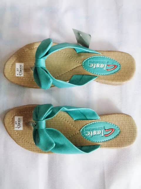sandal classic pita hijau wanita dewasa