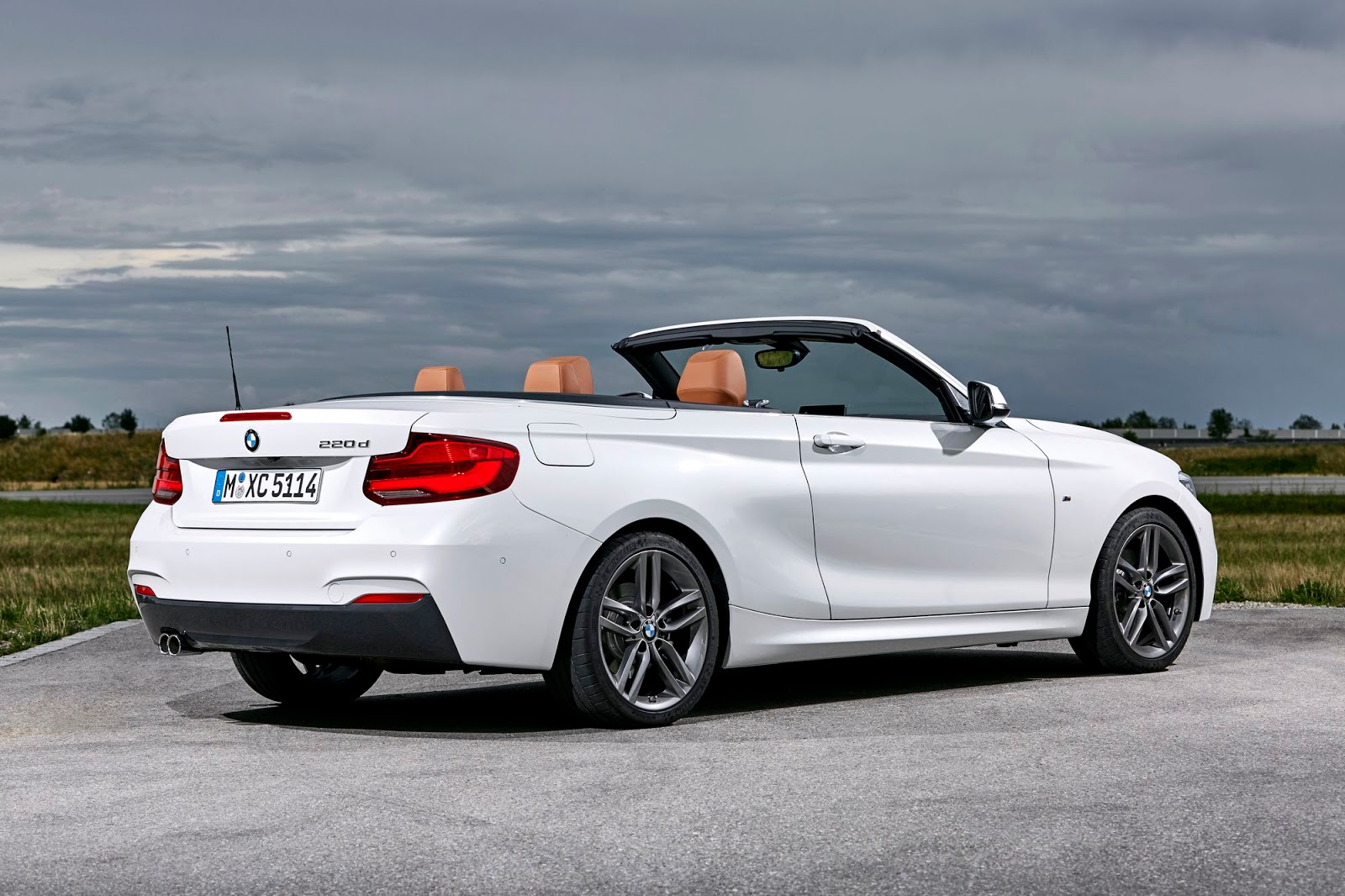 2018 bmw 2 series breaks cover is a lesson in subtle changes 136 pics. Black Bedroom Furniture Sets. Home Design Ideas